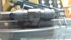 رد دات 1x30 دیانا به همراه پایه دوربین 11 میلیمتری   Diana 1x30 Red Dot with 11mm Mounts